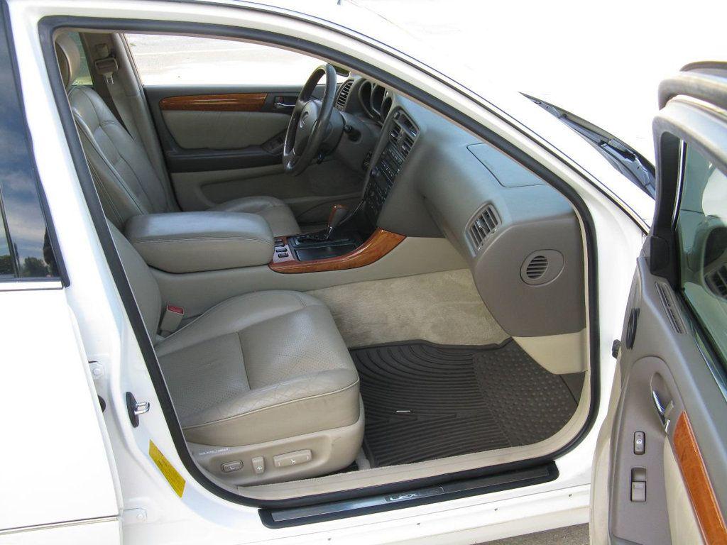 2000 Lexus GS 300 4dr Sedan - 17748335 - 10