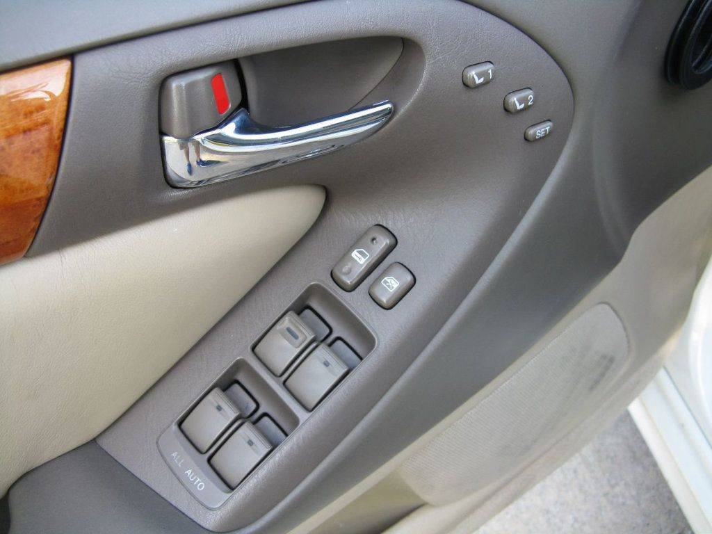 2000 Lexus GS 300 4dr Sedan - 17748335 - 21