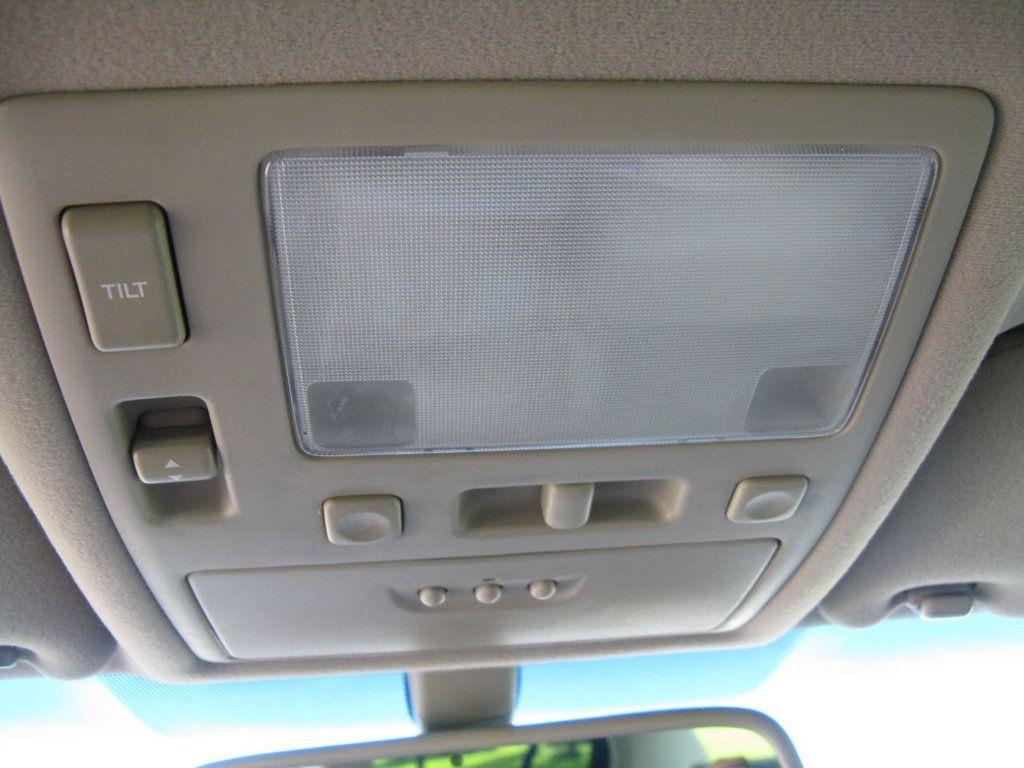 2000 Lexus GS 300 4dr Sedan - 17748335 - 24