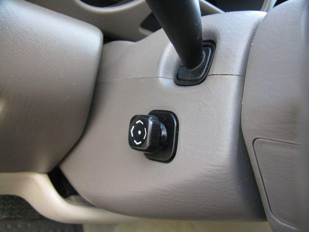 2000 Lexus GS 300 4dr Sedan - 17748335 - 25
