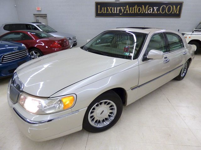 2000 Used Lincoln Town Car 4dr Sedan Cartier At Luxury Automax