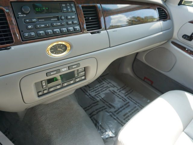 2000 LINCOLN Town Car 4dr Sedan Cartier - 14012302 - 14
