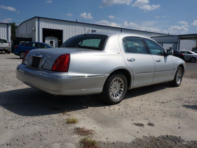 2000 LINCOLN Town Car 4dr Sedan Cartier - 14012302 - 4