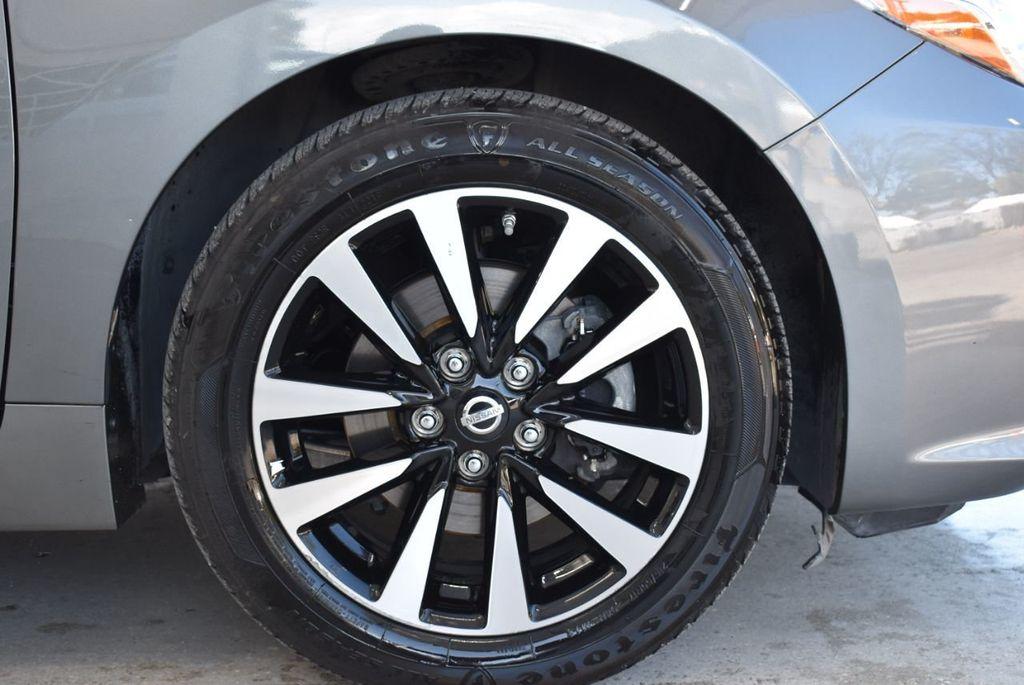 2000 Nissan Altima 4dr Sedan XE Automatic - 18592355 - 9