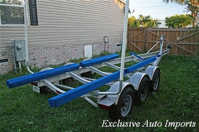 2000 Rolls Axle Boat Trailer Tri-Axle Aluminum Trailer - Click to see full-size photo viewer