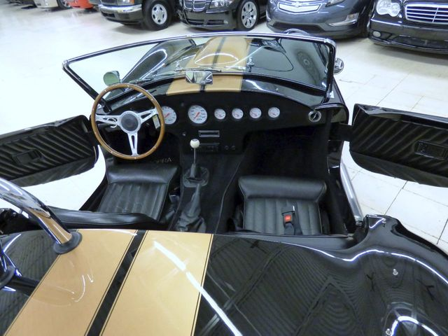 2000 Shelby COBRA STREET BEAST 6 INCH EXTRA LEG ROOM THEN VINTAGE COBRA  AIR CONDI - Click to see full-size photo viewer