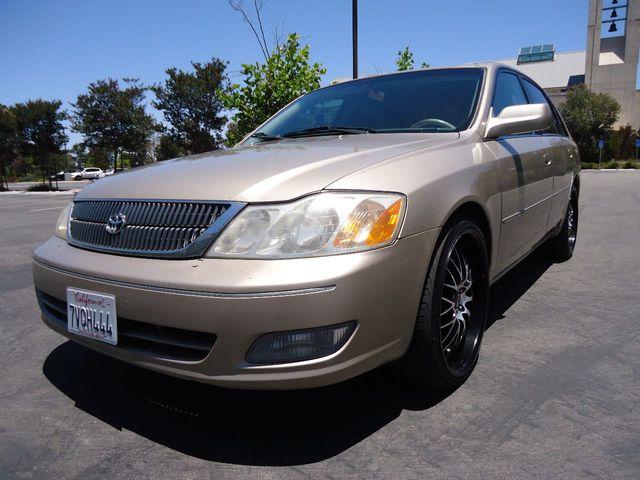 2000 Toyota Avalon 4dr Sedan XLS W/Bucket Seats Sedan   4T1BF28BXYU089729    2