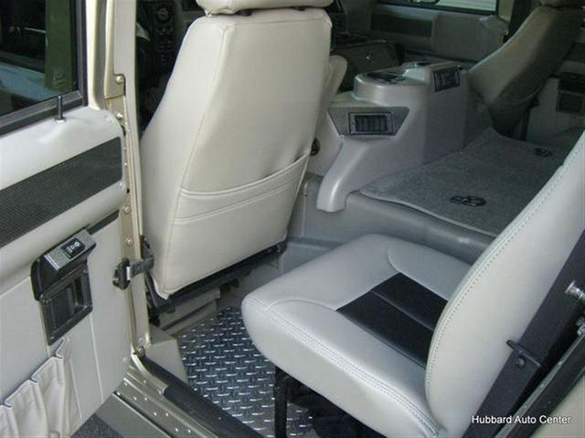2001 AM General Hummer Base Trim - Click to see full-size photo viewer