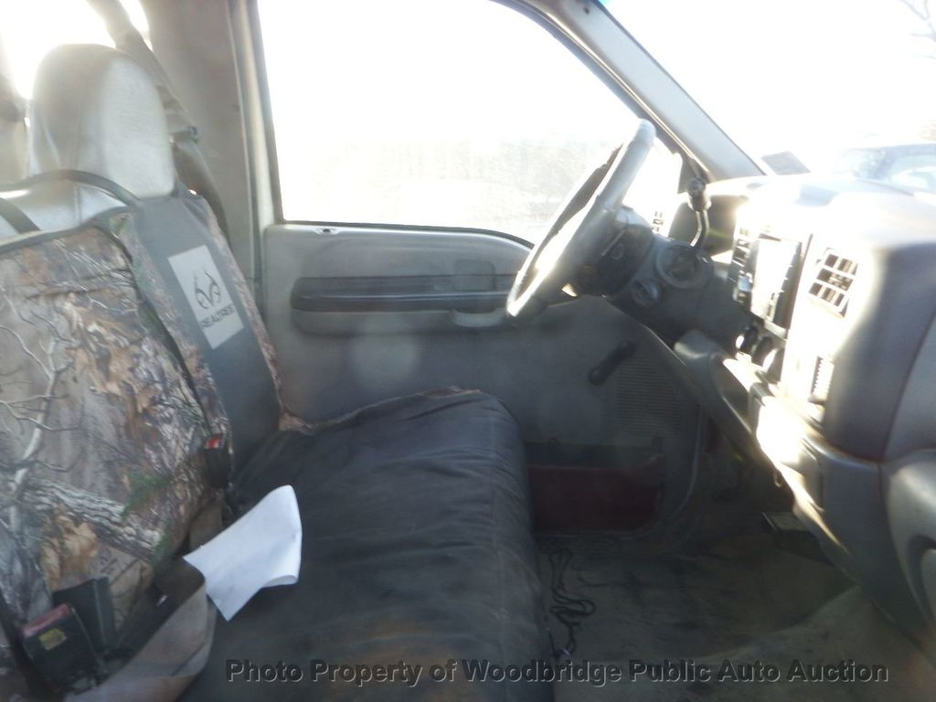 2001 Ford F350  - 17228062 - 5