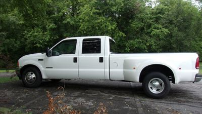 "2001 Ford Super Duty F-350 DRW Crew Cab 172"" Lariat - Click to see full-size photo viewer"