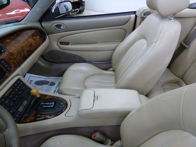 2001 Jaguar XK8 2dr Convertible - Click to see full-size photo viewer