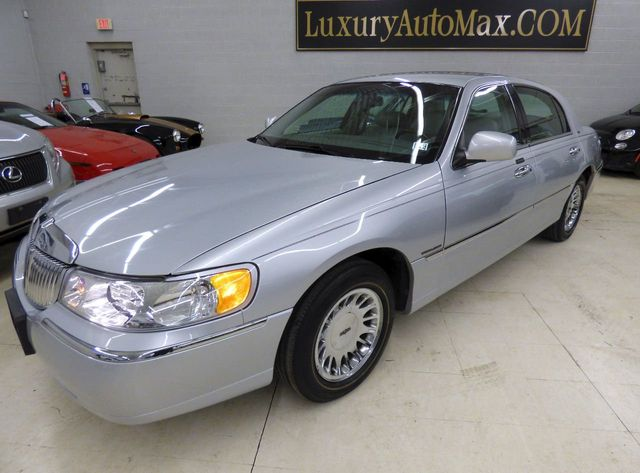 2001 Used Lincoln Town Car 4dr Sedan Cartier At Luxury Automax