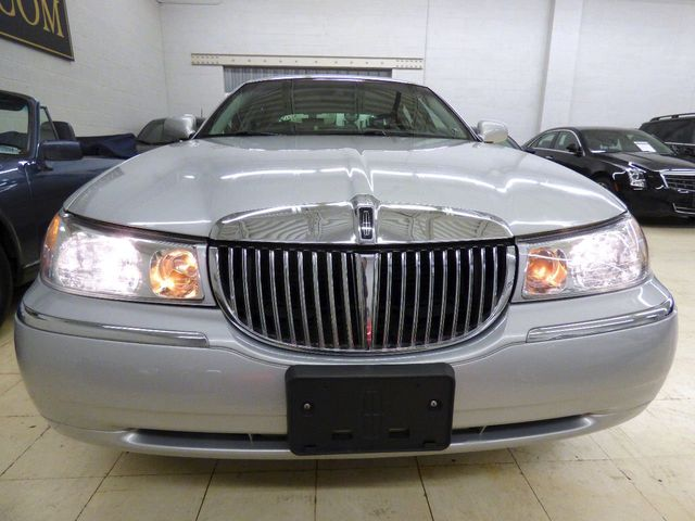 2001 Lincoln Town Car 4dr Sedan Cartier   Click To See Full Size Photo  Viewer