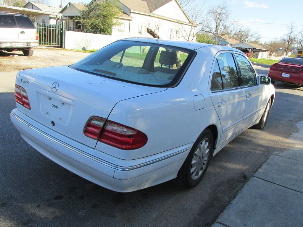 2001 Mercedes-Benz E-Class E320 4dr Sedan 3.2L - 14748201 - 2