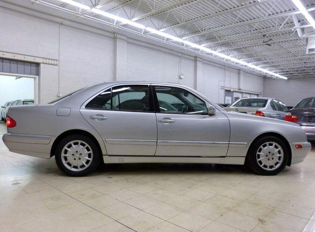 Beautiful 2001 Mercedes Benz E Class E320 4dr Sedan 3.2L AWD   Click To