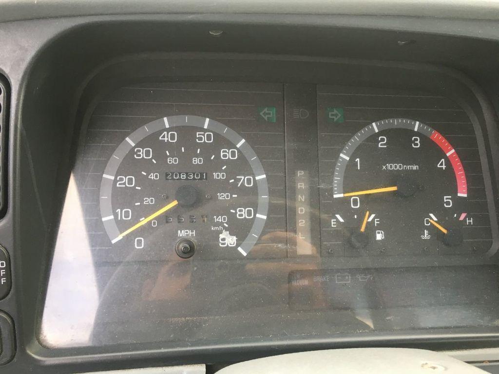 2001 Mitsubishi FE639L CAB CHASSIS 108IN CA - 18340978 - 5