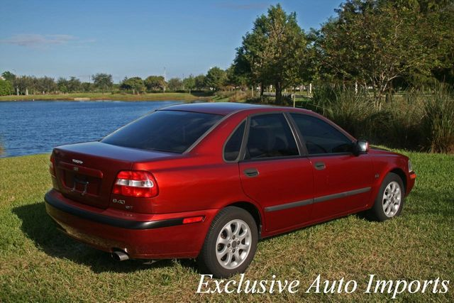 2001 Volvo S40 A SR 4dr Sdn w/Sunroof - Click to see full-size photo viewer