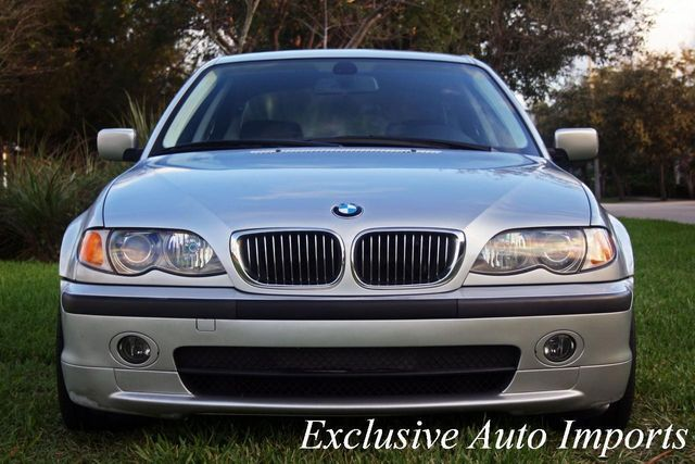 2002 BMW 3 Series 330i - Click to see full-size photo viewer
