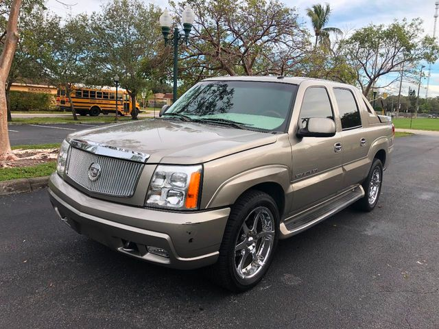 2002 used cadillac escalade ext 4dr awd at a luxury autos. Black Bedroom Furniture Sets. Home Design Ideas