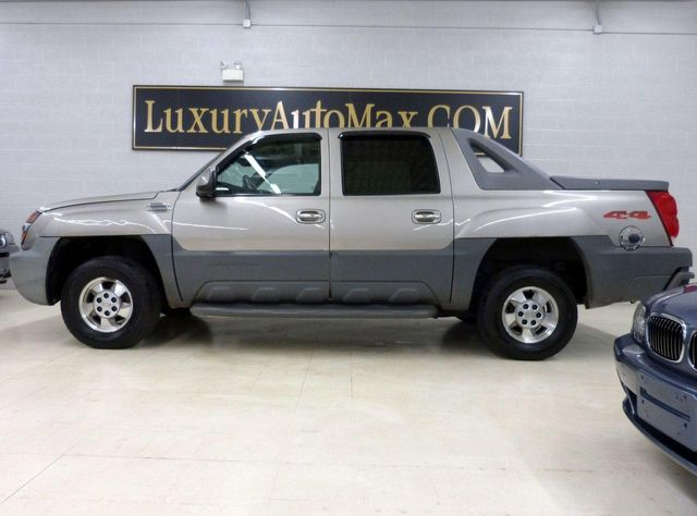2002 used chevrolet avalanche z71 at luxury automax serving chambersburg pa iid 11154180. Black Bedroom Furniture Sets. Home Design Ideas