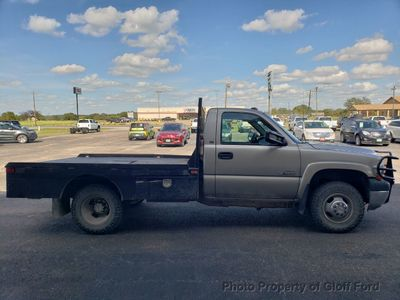 "2002 Chevrolet Silverado 3500 Reg Cab 133"" WB 4WD DRW - Click to see full-size photo viewer"