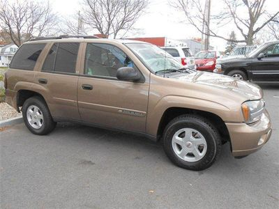 2002 Chevrolet Trailblazer 4dr 4WD LS - Click to see full-size photo viewer