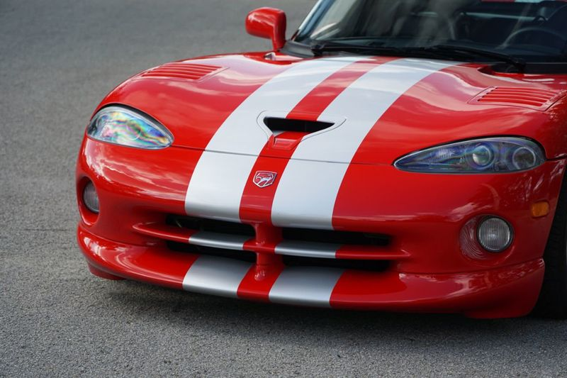 2002 Dodge Viper 2dr GTS Coupe - Click to see full-size photo viewer