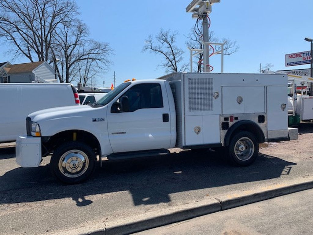 2002 Ford F550 Utility Truck with Telescopic Mast & Gen Set 4x4  Telescopic Boom with Flood Lighting & Generator - 18414795 - 0