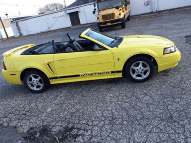 2002 Ford Mustang Convertible 15964043 0