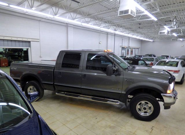 "2002 Ford Super Duty F-250 Crew Cab 156"" Lariat 4WD - Click to see full-size photo viewer"