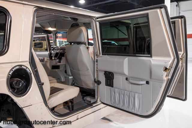 2002 HUMMER H1 4-Passenger Wagon Enclosed - Click to see full-size photo viewer