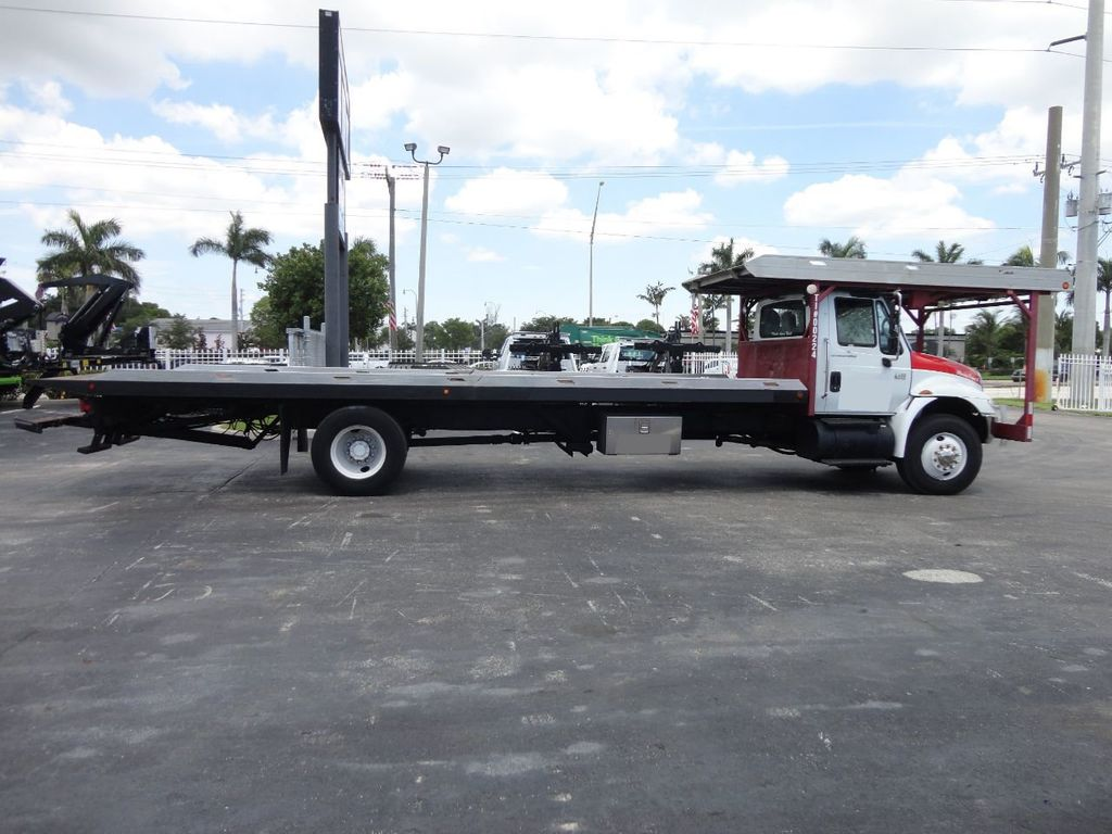 2002 International 4400 4 CAR CARRIER ROLLBACK 28FT JERRDAN - 17821150 - 2