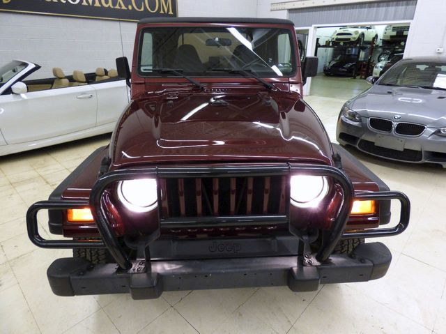2002 Jeep Wrangler 2dr Sport - Click to see full-size photo viewer