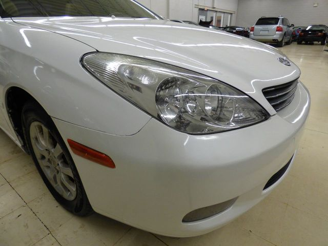 2002 Lexus ES 300 JUST SERVICED 4 NEW TIRES - Click to see full-size photo viewer