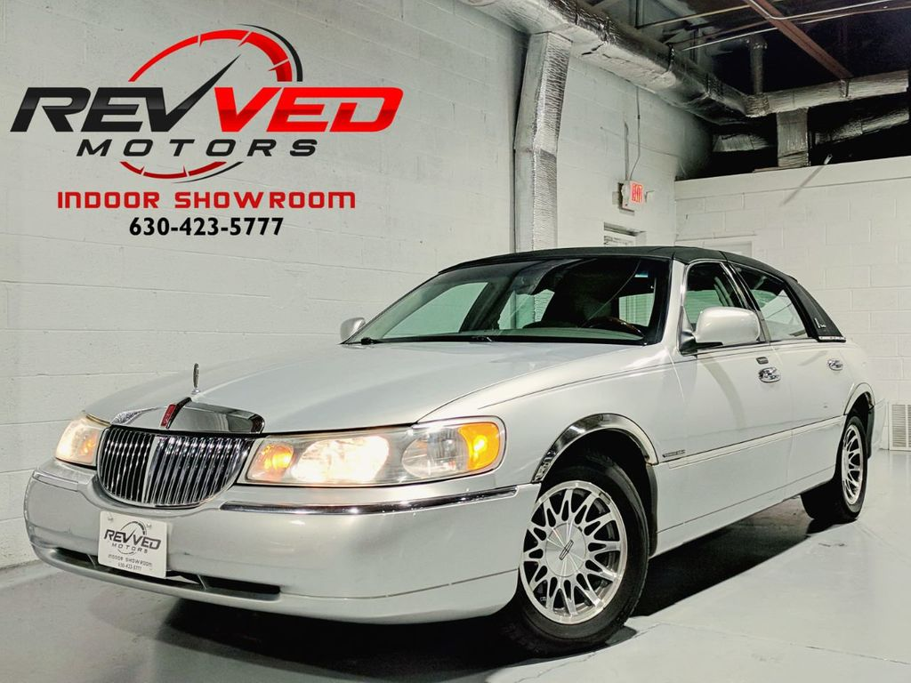 2002 Used Lincoln Town Car Signature At Revved Motors Serving