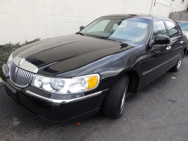 2002 Lincoln Town Car Signature Sedan For Sale Pound Ridge Ny