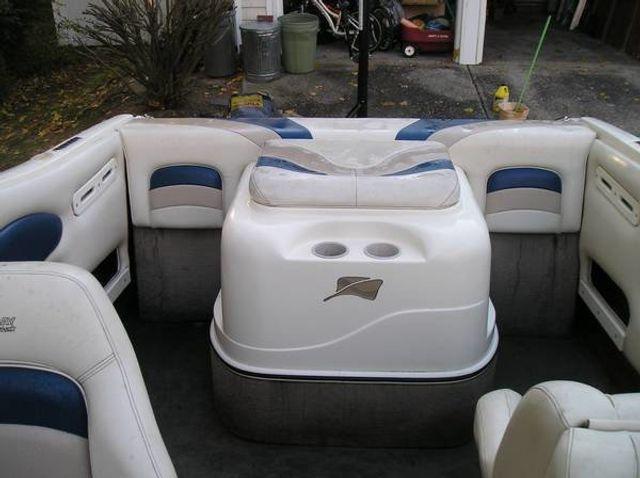 2002 Stingray Cubby Cabin 20' - 16429698 - 4