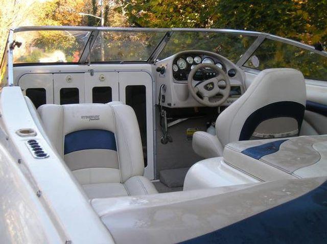 2002 Stingray Cubby Cabin 20' - 16429698 - 6