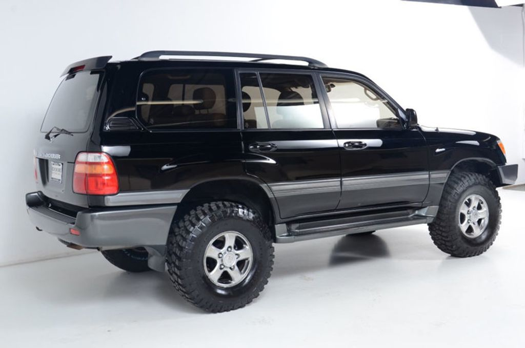 2002 Toyota Land Cruiser 4WD-HEATED SEATS-DUAL POWER SEATS-CLEAN CAR-FAX 1-OWNER - 16604060 - 4