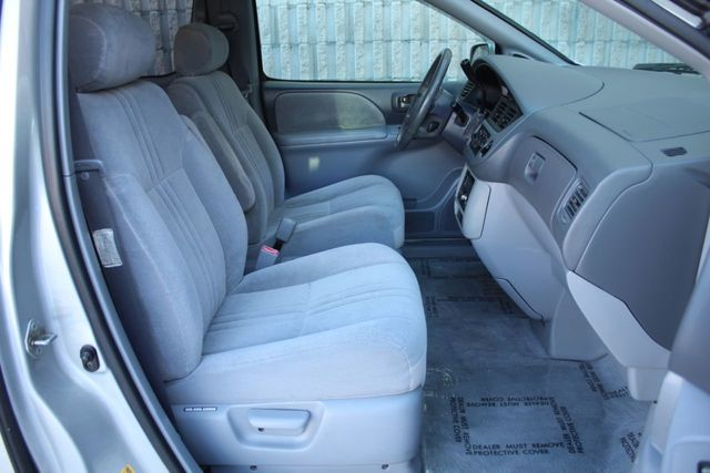 2002 Toyota Sienna SYMPHONY EDITION ONE OWNER VAN - Click to see full-size photo viewer