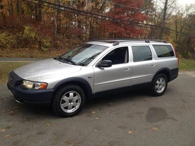 2002 Volvo V70 XC AWD A SR 5dr Wagon AWD Turbo w/SR - Click to see full-size photo viewer