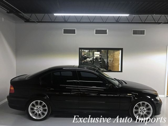 2003 BMW 3 Series 2003 BMW 330i ZHP M PERFORMANCE PACKAGE SEDAN 6-SPEED MANUAL - Click to see full-size photo viewer