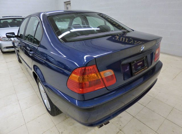 2003 BMW 3 Series 325i - Click to see full-size photo viewer