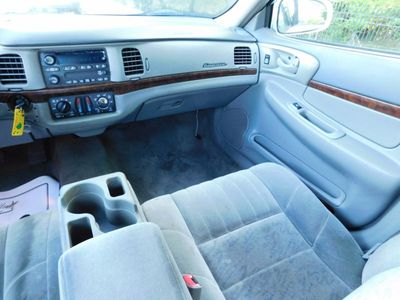 2003 Chevrolet Impala 4dr Sedan - Click to see full-size photo viewer
