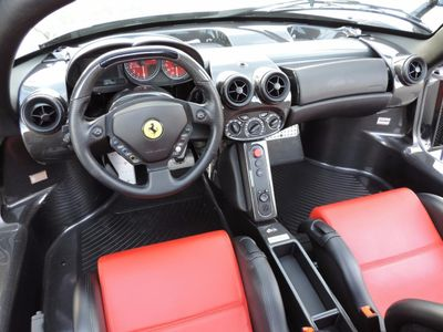 2003 Ferrari Enzo Base Trim - Click to see full-size photo viewer