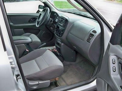 "2003 Ford Escape 4dr 103"" WB XLS 4WD Popular - Click to see full-size photo viewer"