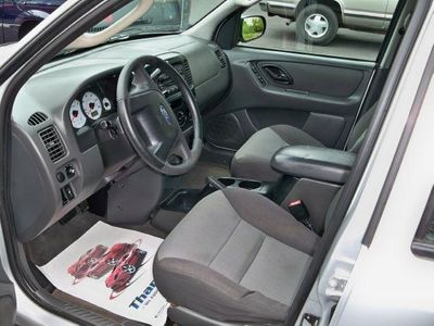 """2003 Ford Escape 4dr 103"""" WB XLS 4WD Popular - Click to see full-size photo viewer"""