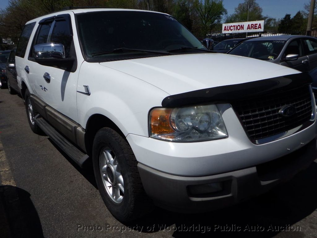 2003 Ford Expedition  - 17596118 - 1