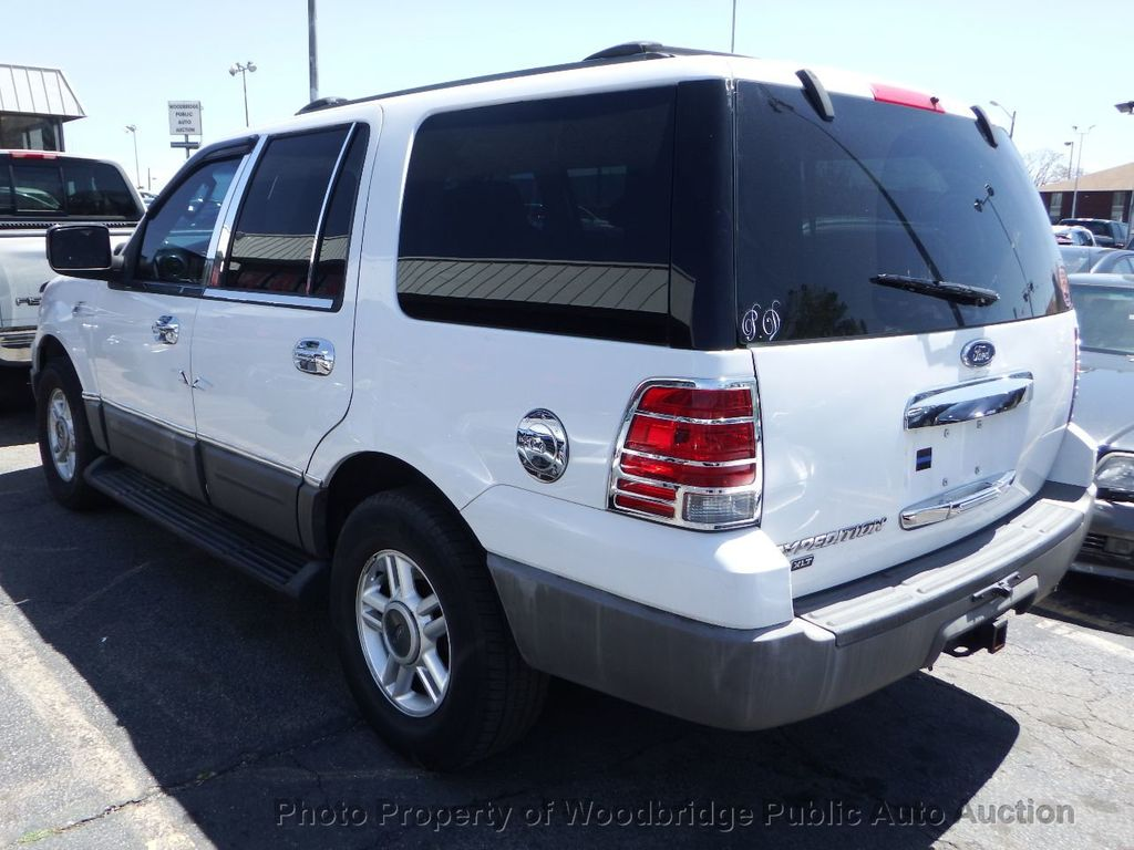 2003 Ford Expedition  - 17596118 - 3