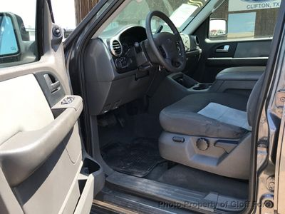 2003 Ford Expedition 5.4L XLT Popular 4WD - Click to see full-size photo viewer